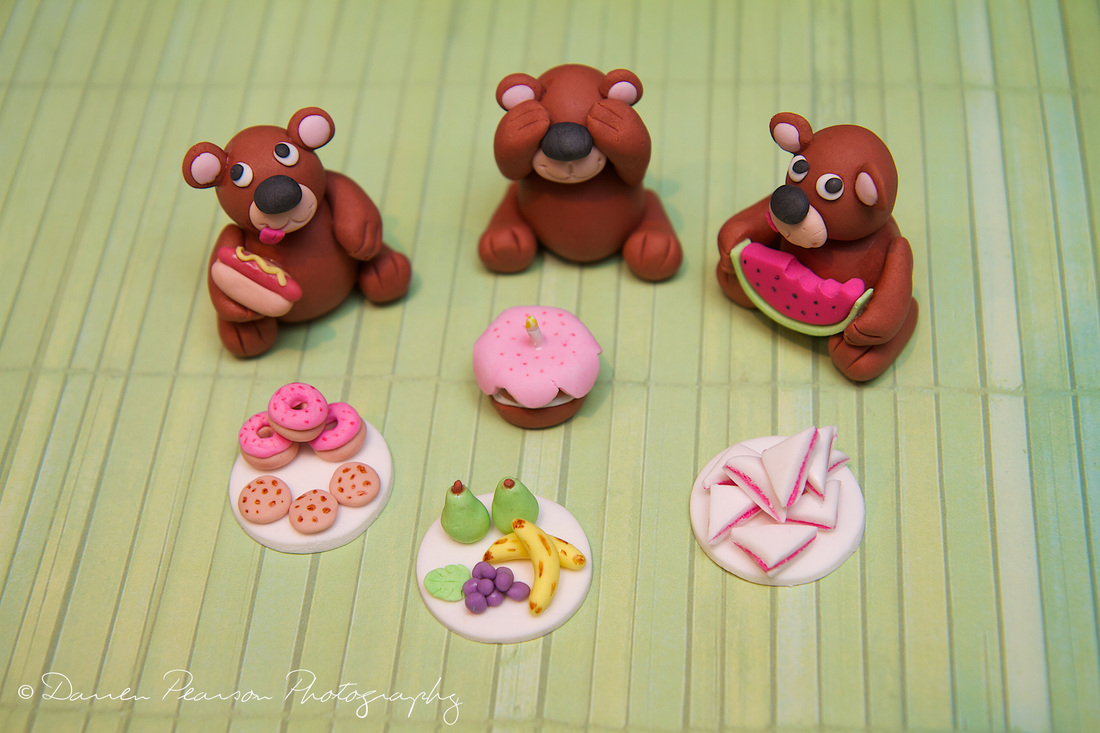 Cake Decor Figurines : Sugar Flowers, Figurines & Cake Toppers - Cupcakes By Tara